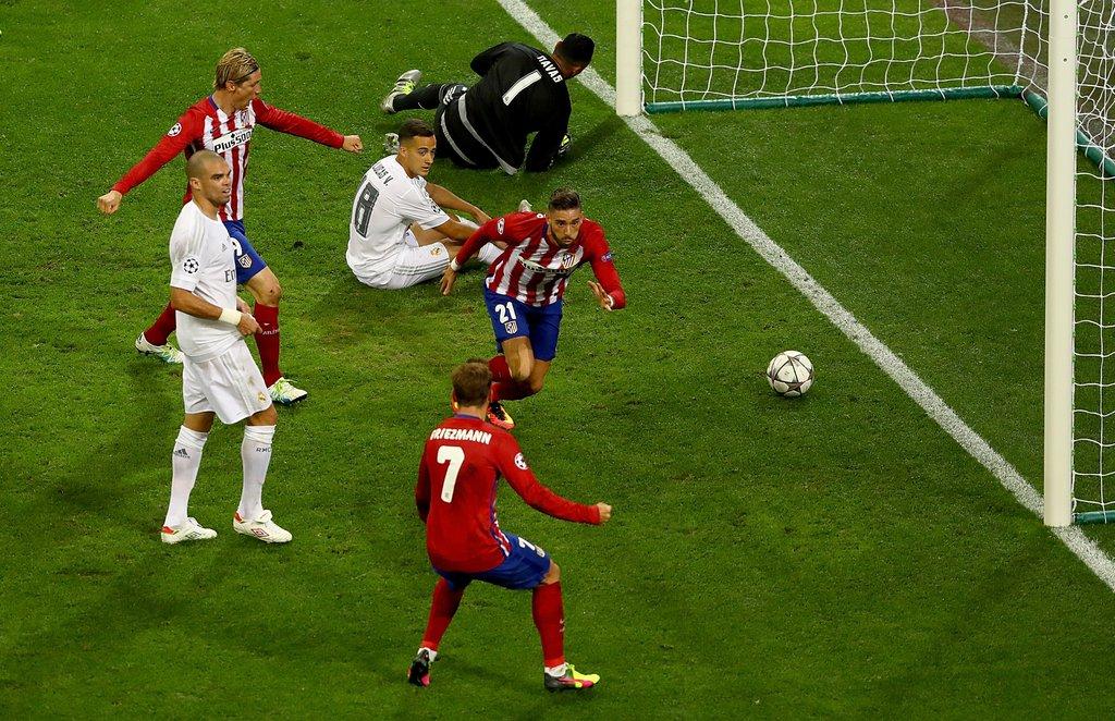 Gambar Gol Carrasco Atletico vs Madrid